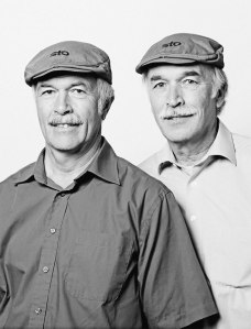 portraits-of-unrelated-twins-doppelgangers-francois-brunelle-15